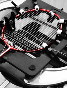 Бадминтон:  натяжка струн